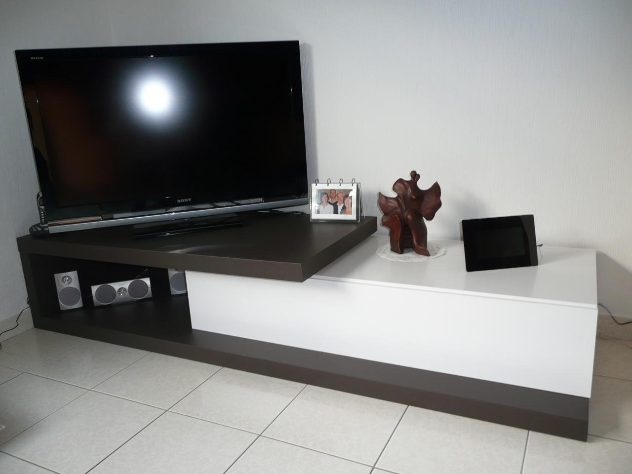 construire un meuble tv pictures. Black Bedroom Furniture Sets. Home Design Ideas