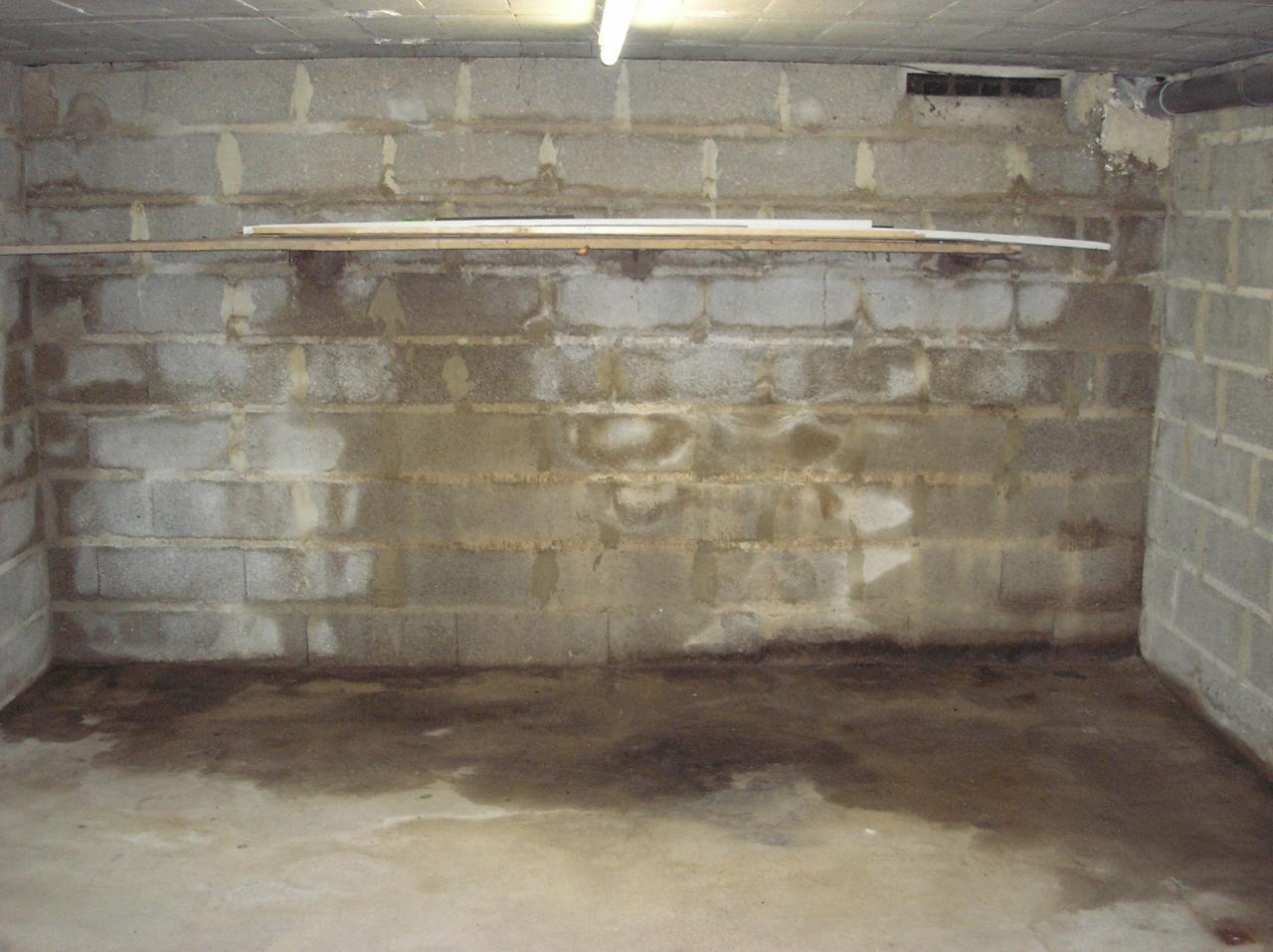 Probl me terrasse infiltration d eau for Assainir maison humide