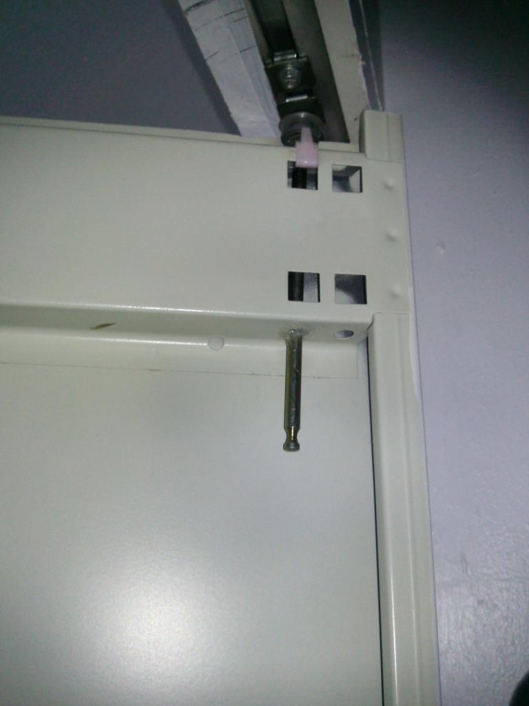 Probl me portes pliantes accord on de placard armoire - Comment regler les portes de placard ...