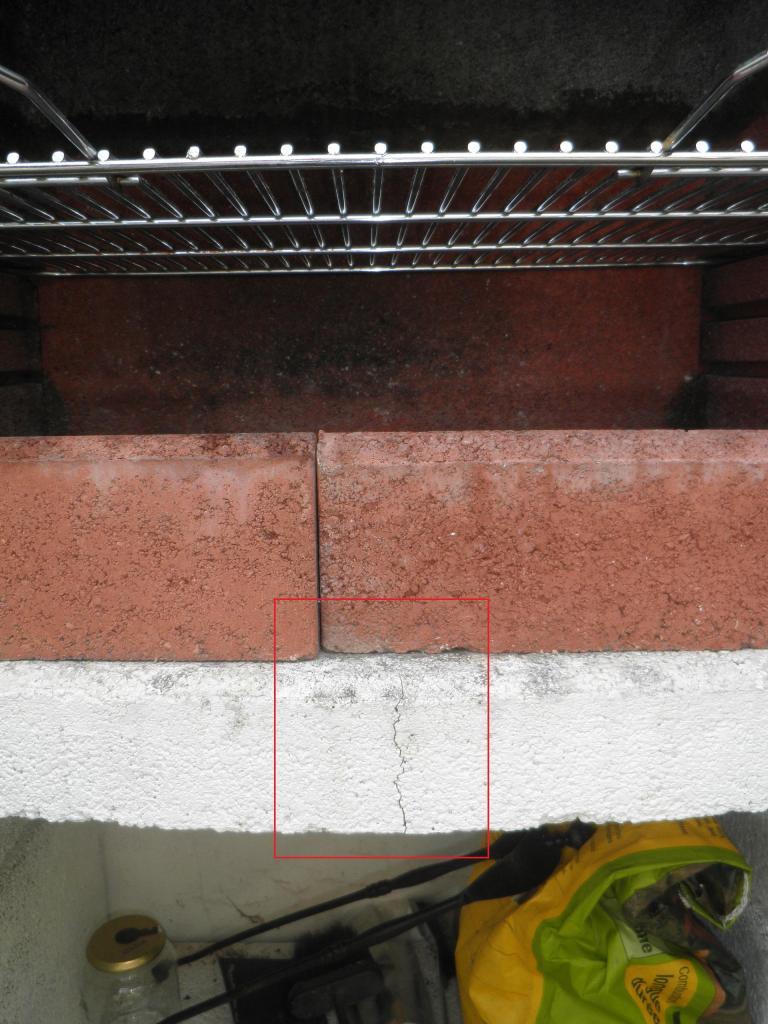 Reparer fissure barbecue beton cellulaire for Reparation fissure piscine beton