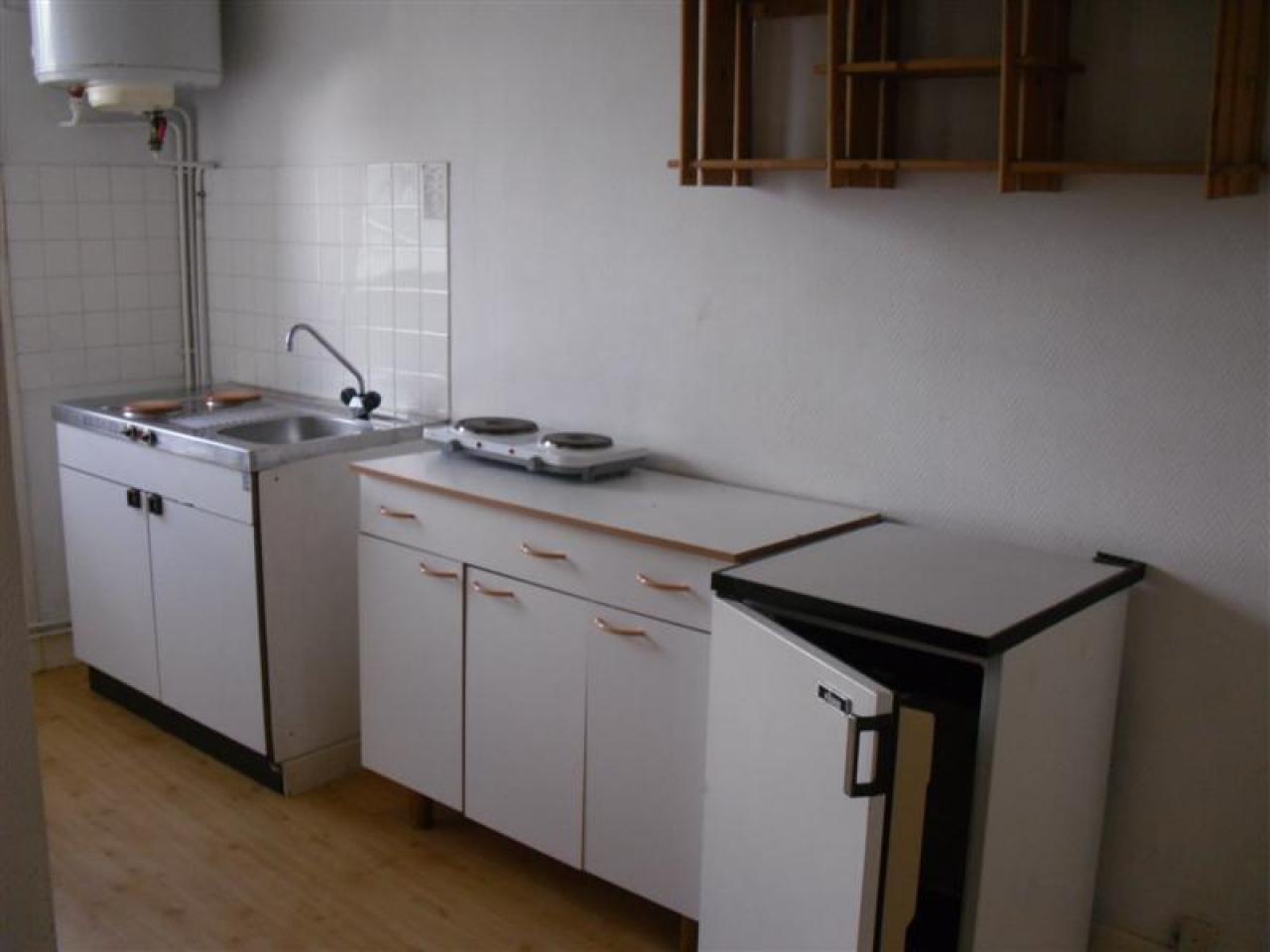 pas d 39 eau chaude dans la cuisine. Black Bedroom Furniture Sets. Home Design Ideas