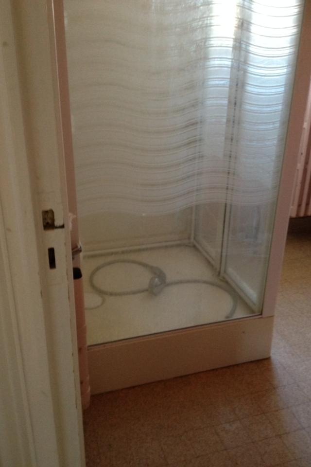 Enlever une ancienne cabine de douche
